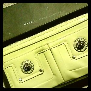 Lightly Pre-owned Marc Jacob Wallet Lemon Yellow